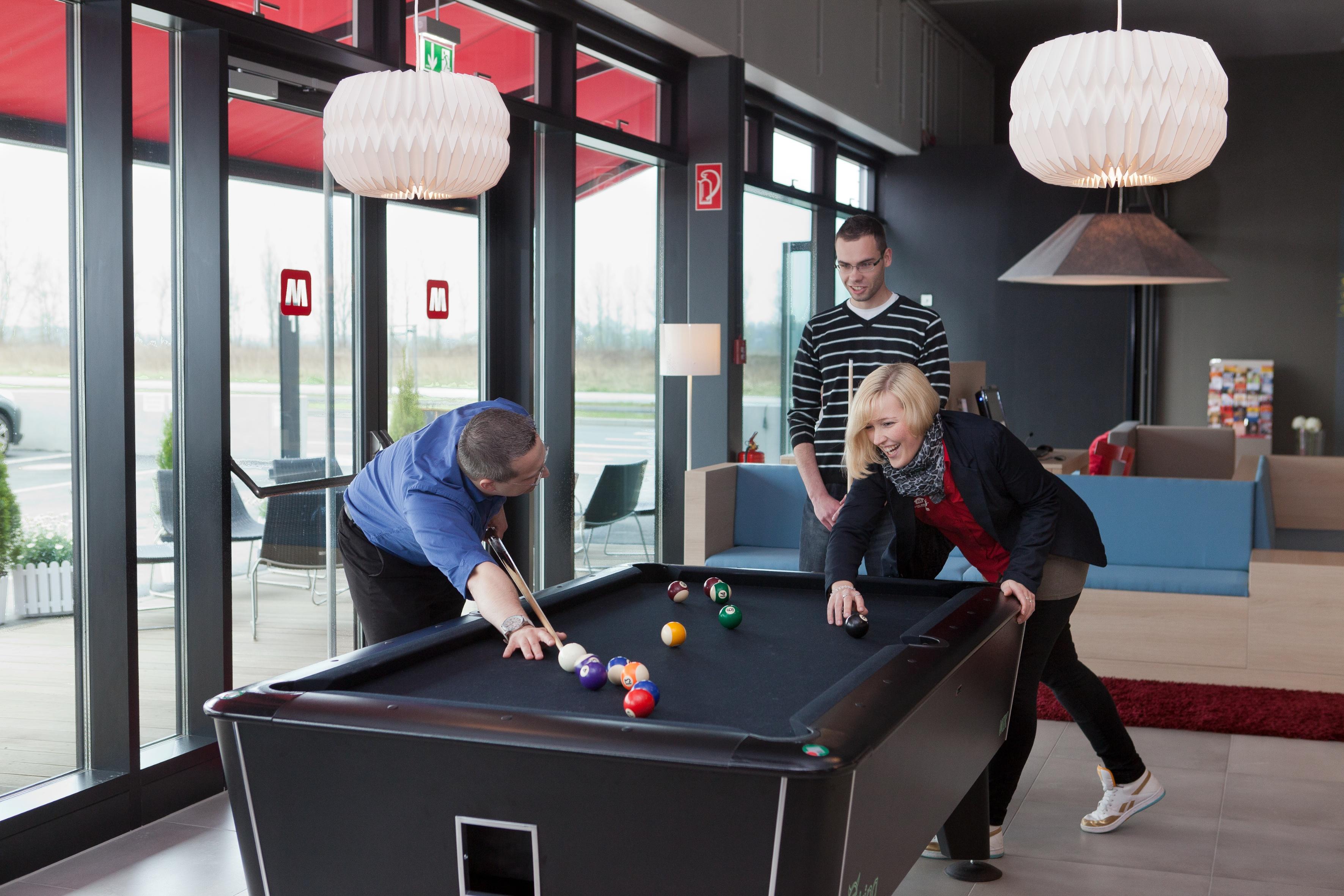 MEININGER Hotel Berlin Airport - Gaming area