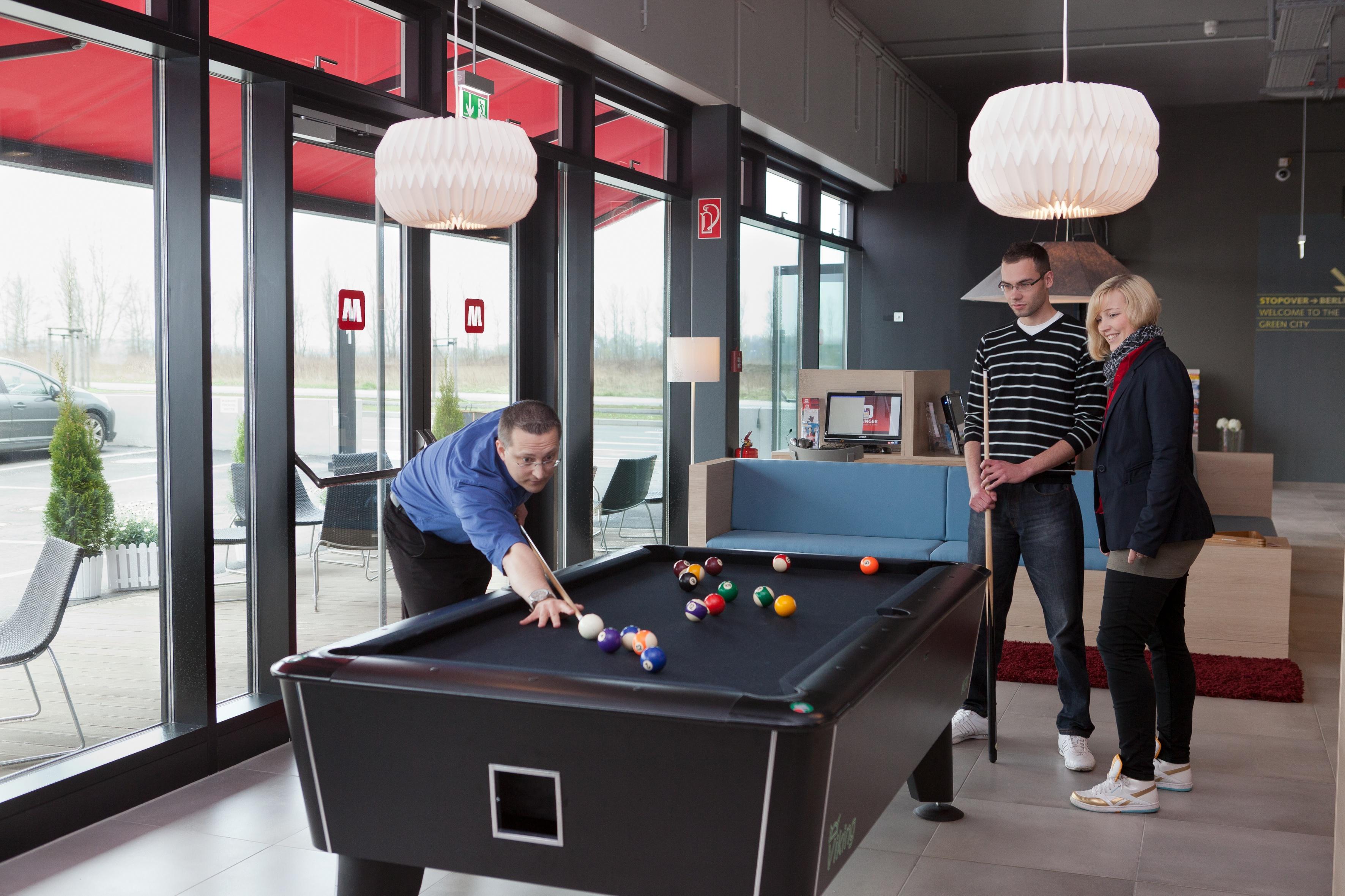 MEININGER Hotel Berlin Airport - Gamezone