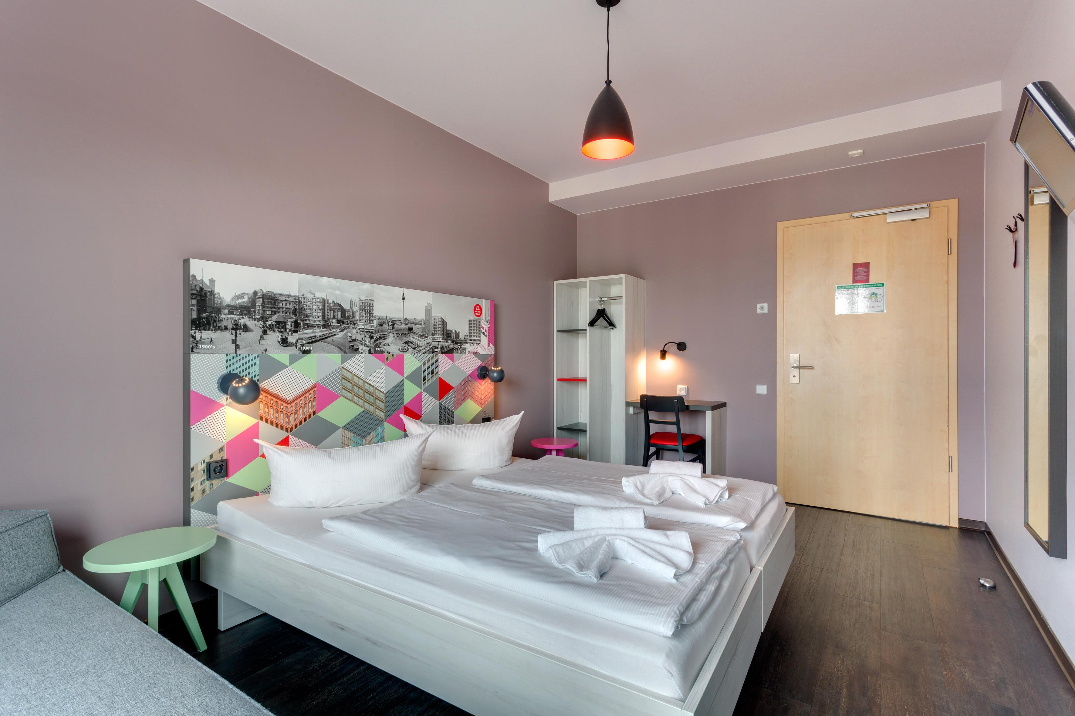 MEININGER Hotel Berlin Alexanderplatz - Single-/ Double Room