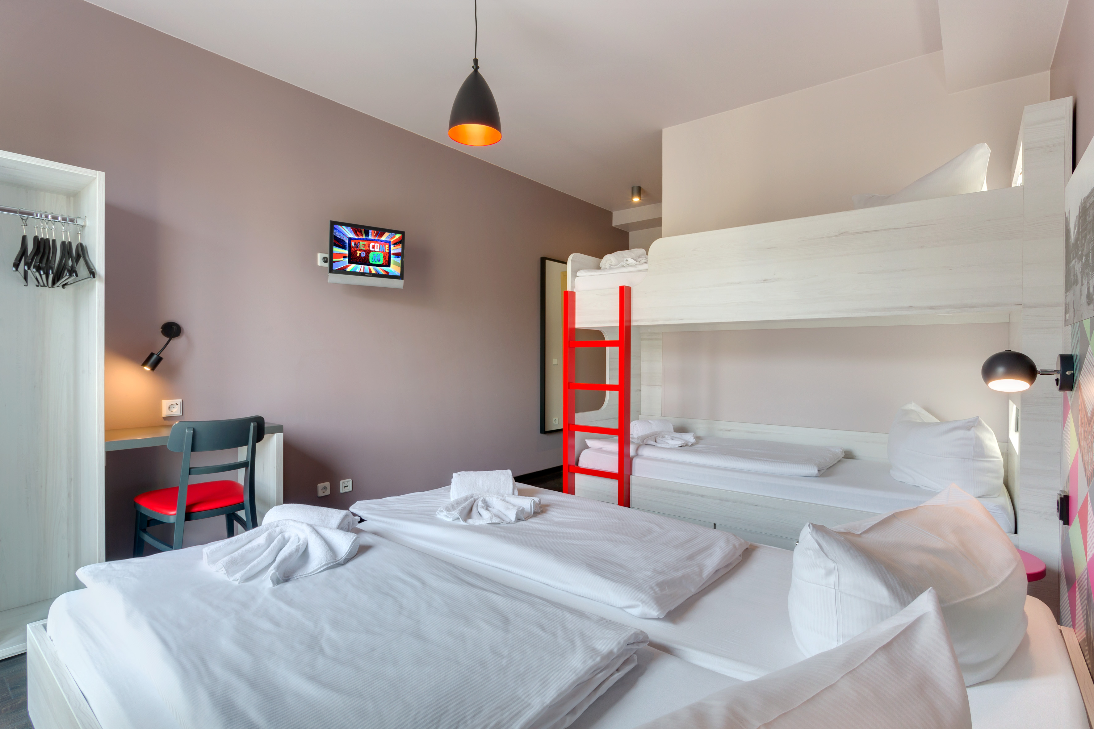 MEININGER Hotel Berlin Alexanderplatz - Multi-bed