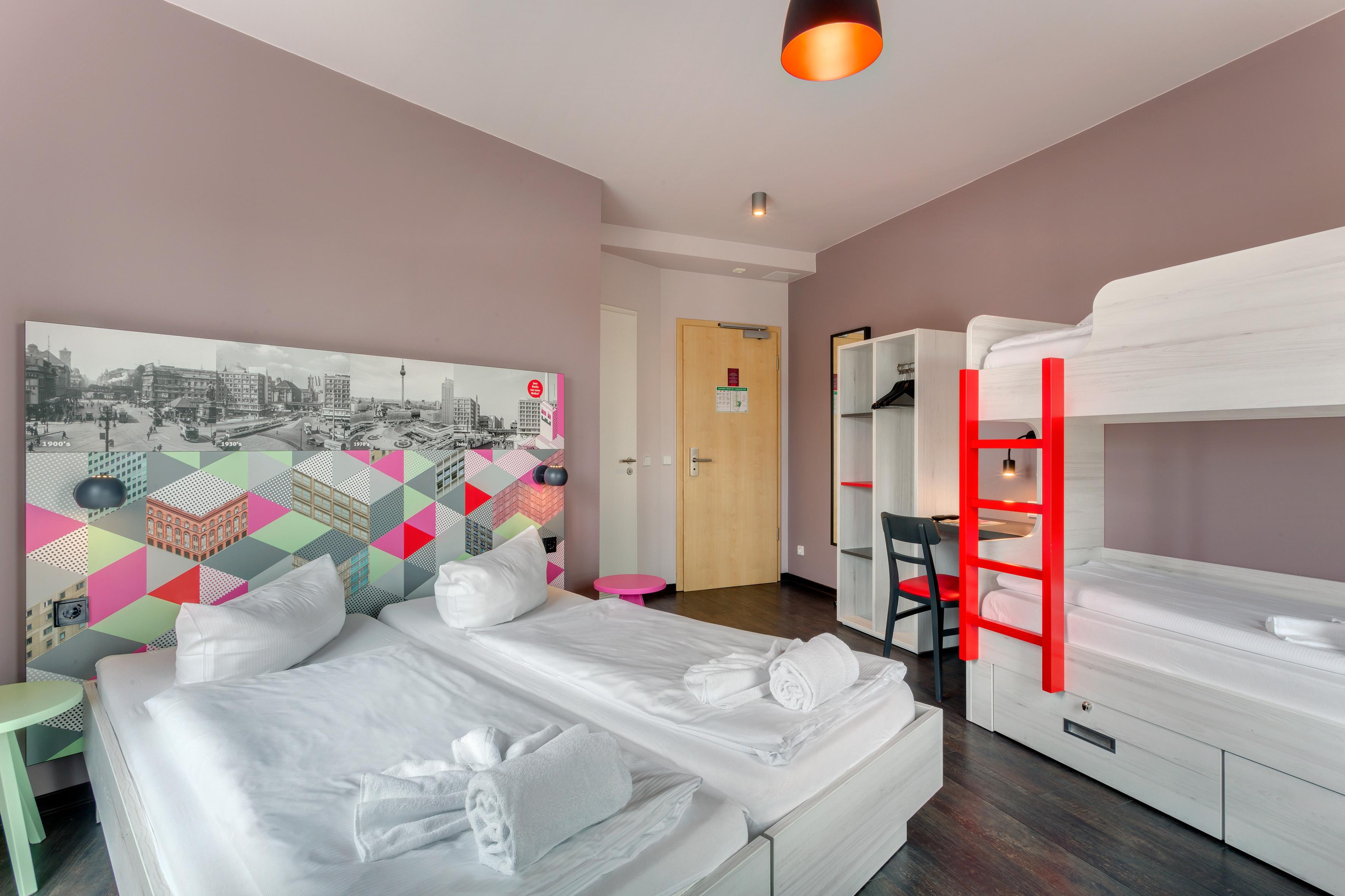 MEININGER Hotel Berlin Alexanderplatz - Family Room