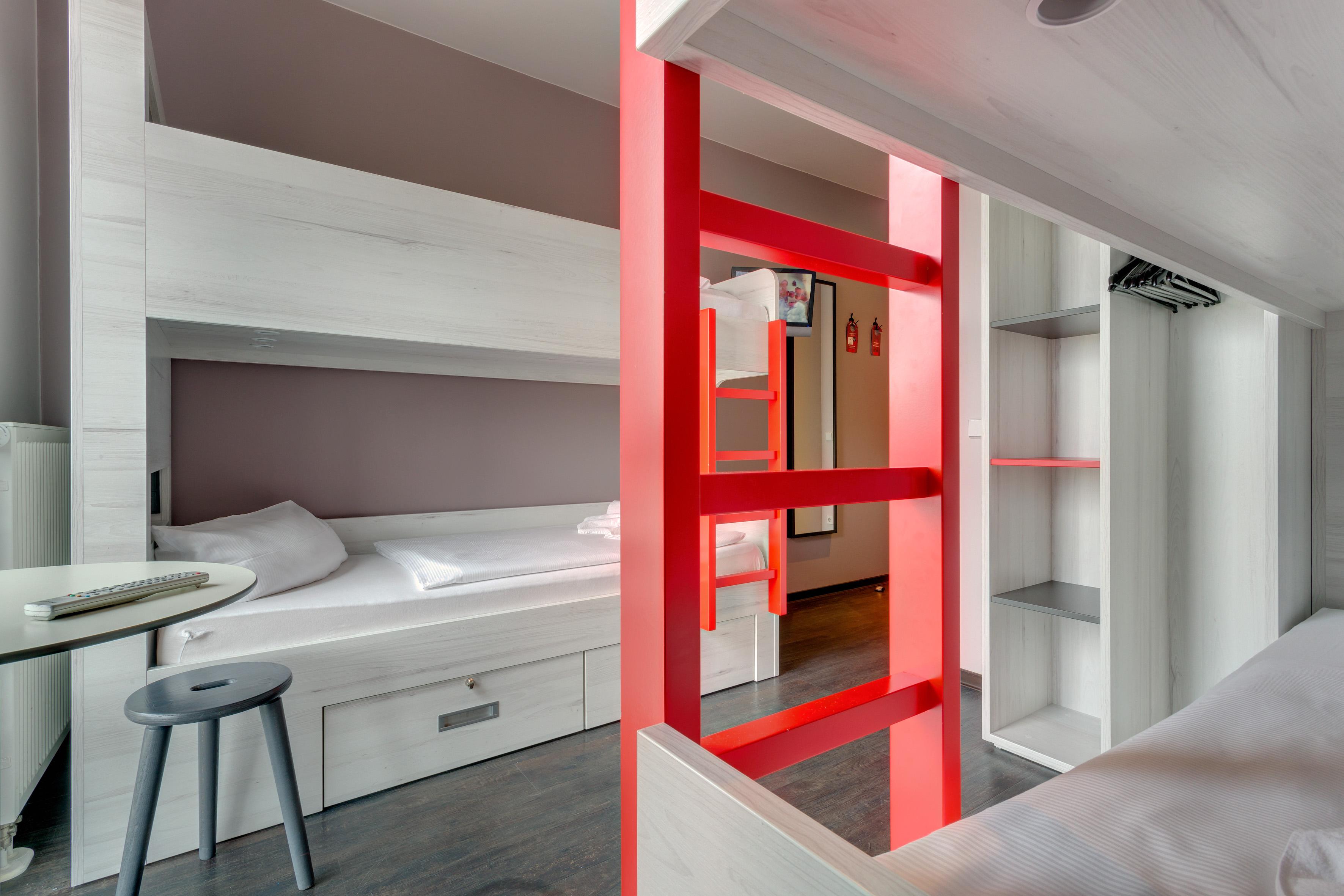 MEININGER Hotel Berlin Alexanderplatz - Dormitory