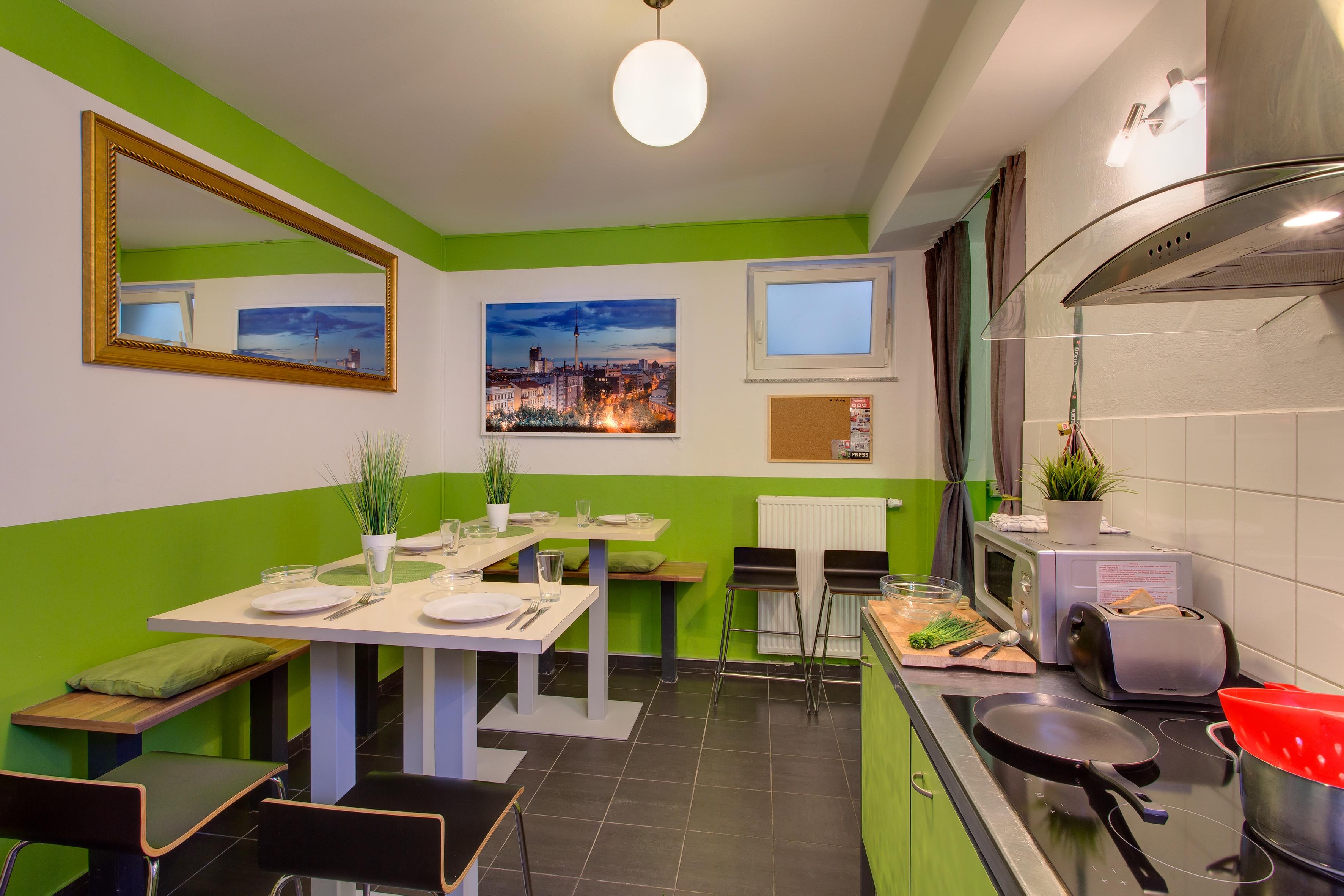 MEININGER Hotel Berlin Alexanderplatz - Cocina para huéspedes