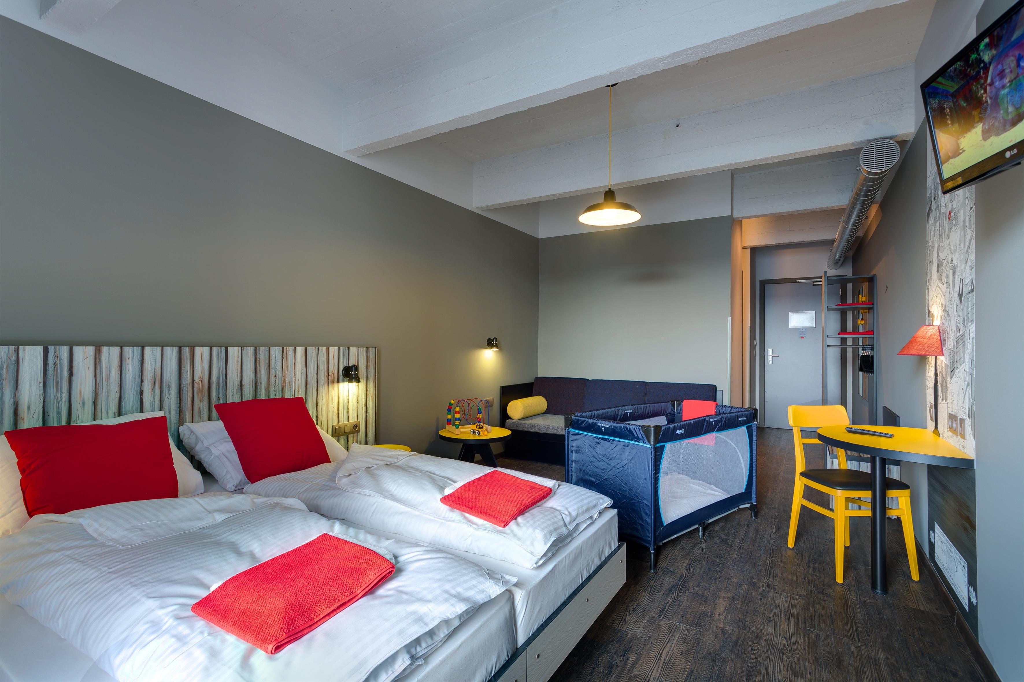 MEININGER Hotel Brussels City Center - Family Room