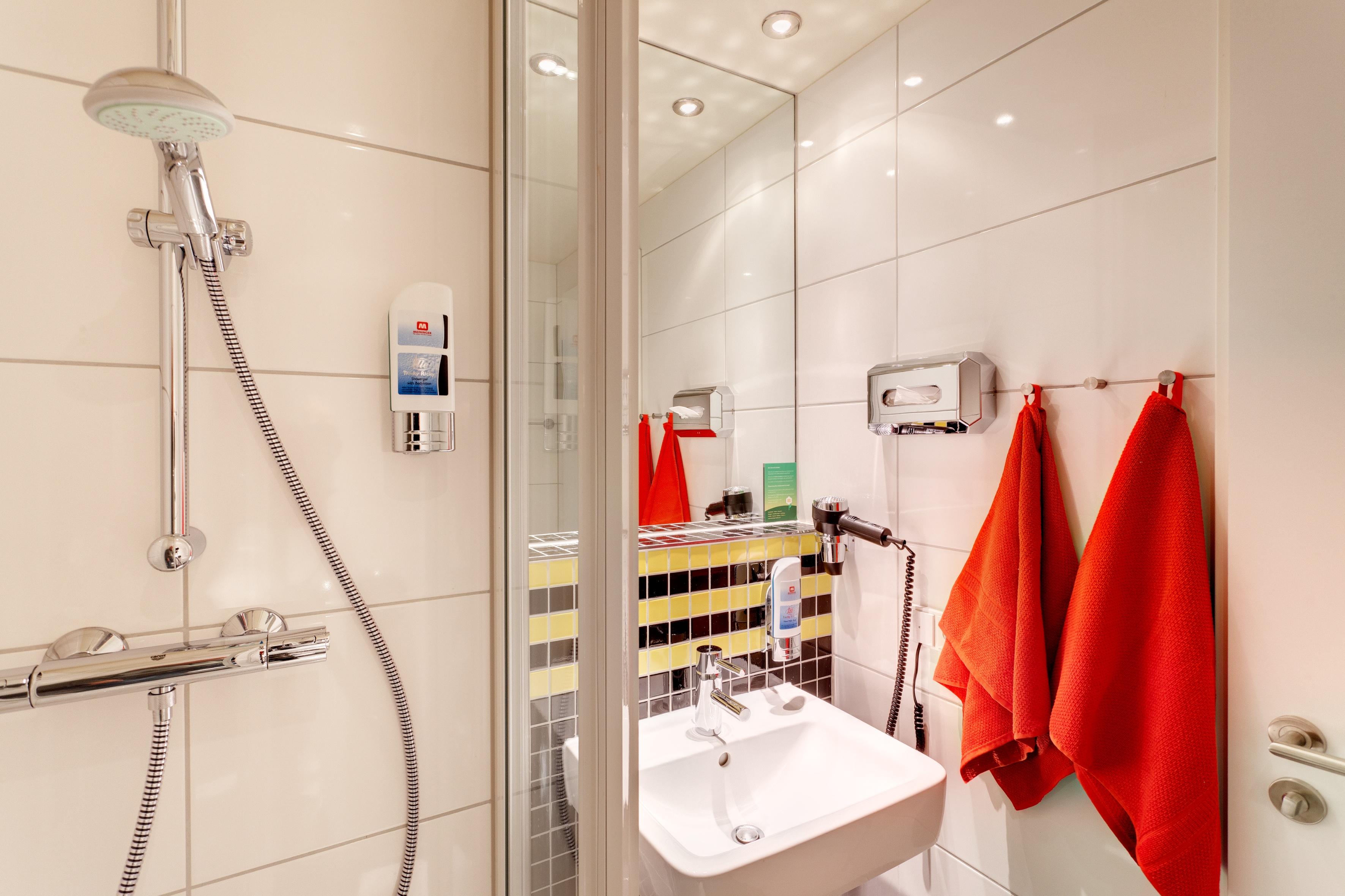 MEININGER Hotel Frankfurt/Main Airport - Single-/ Double Room
