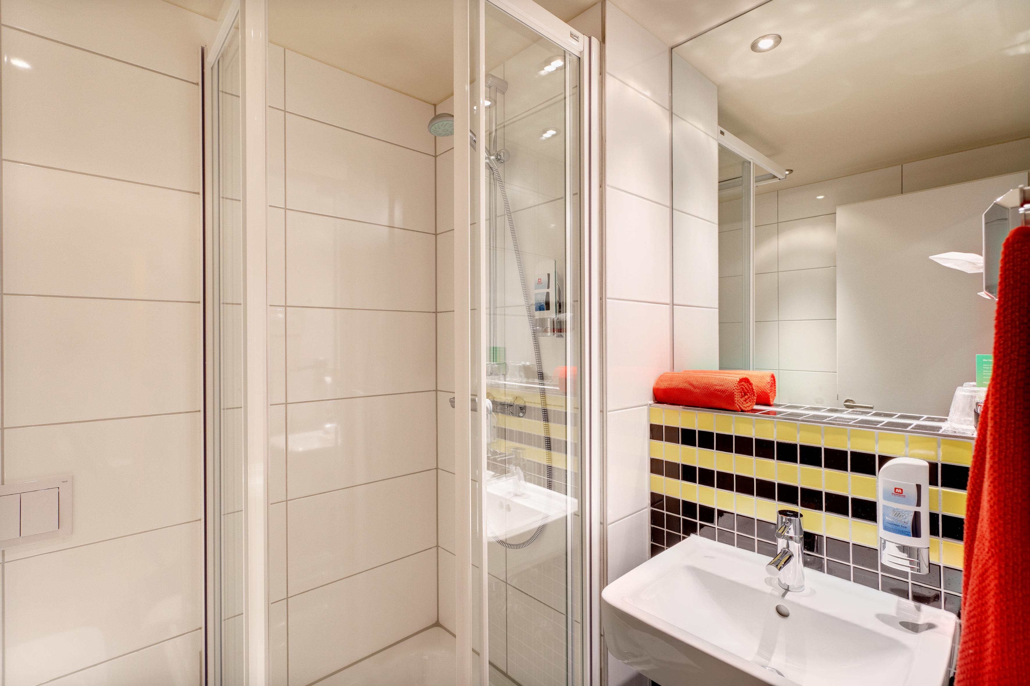 MEININGER Hotel Frankfurt/Main Airport - Multi-bed