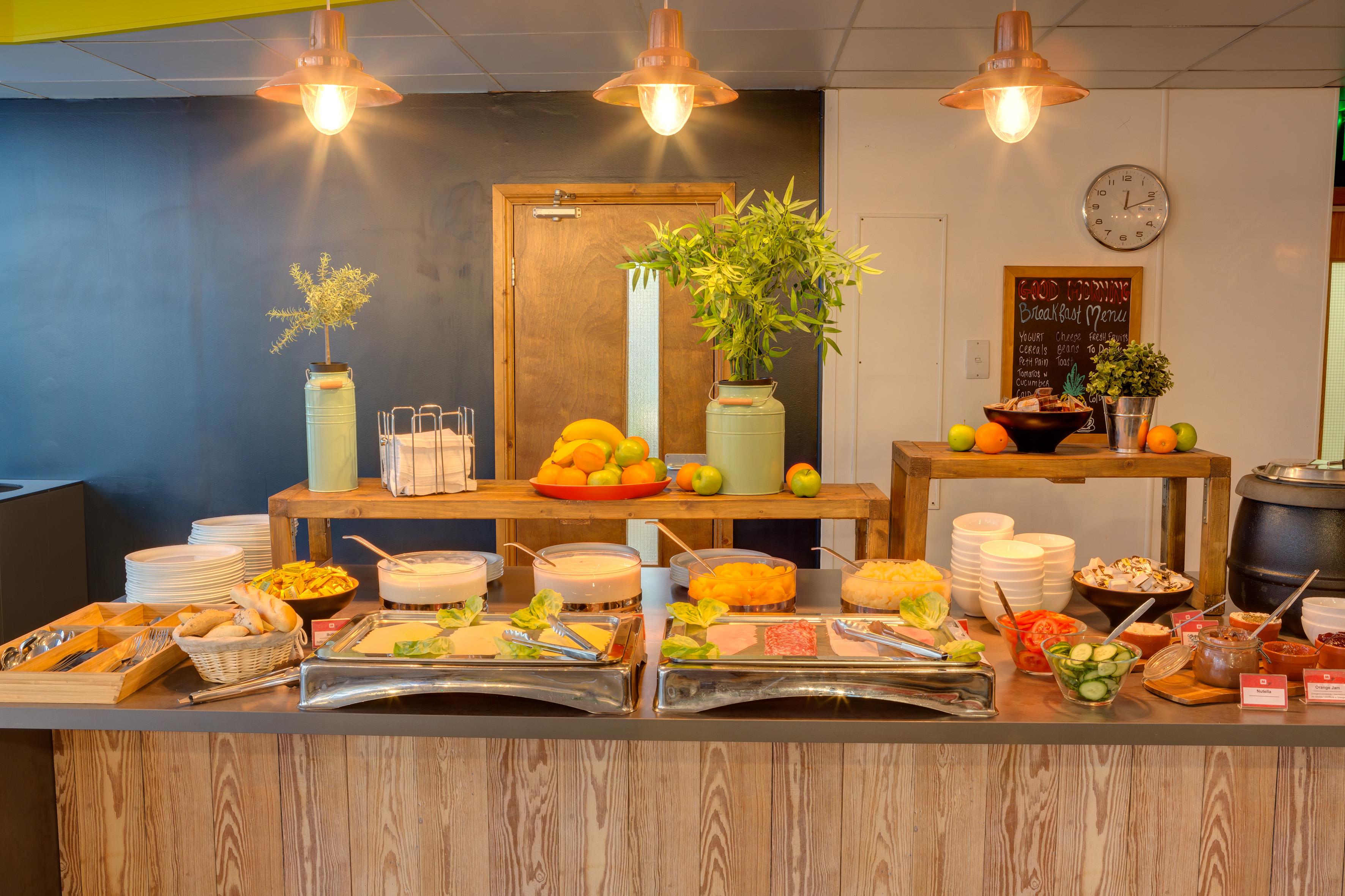 MEININGER Hotel London Hyde Park - Breakfast room/ Buffet