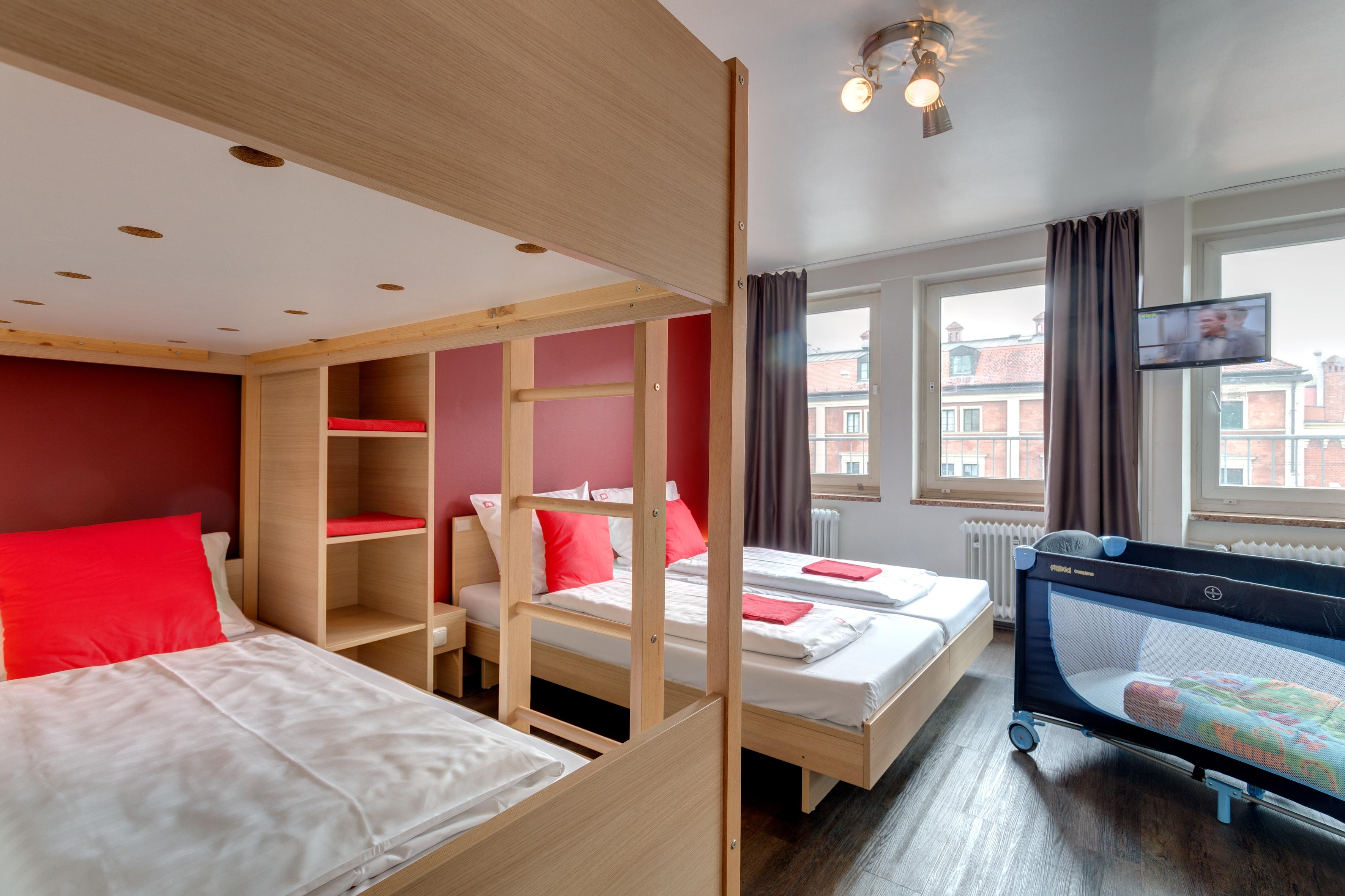 MEININGER Hotel Munich City Center - habitacion familiar
