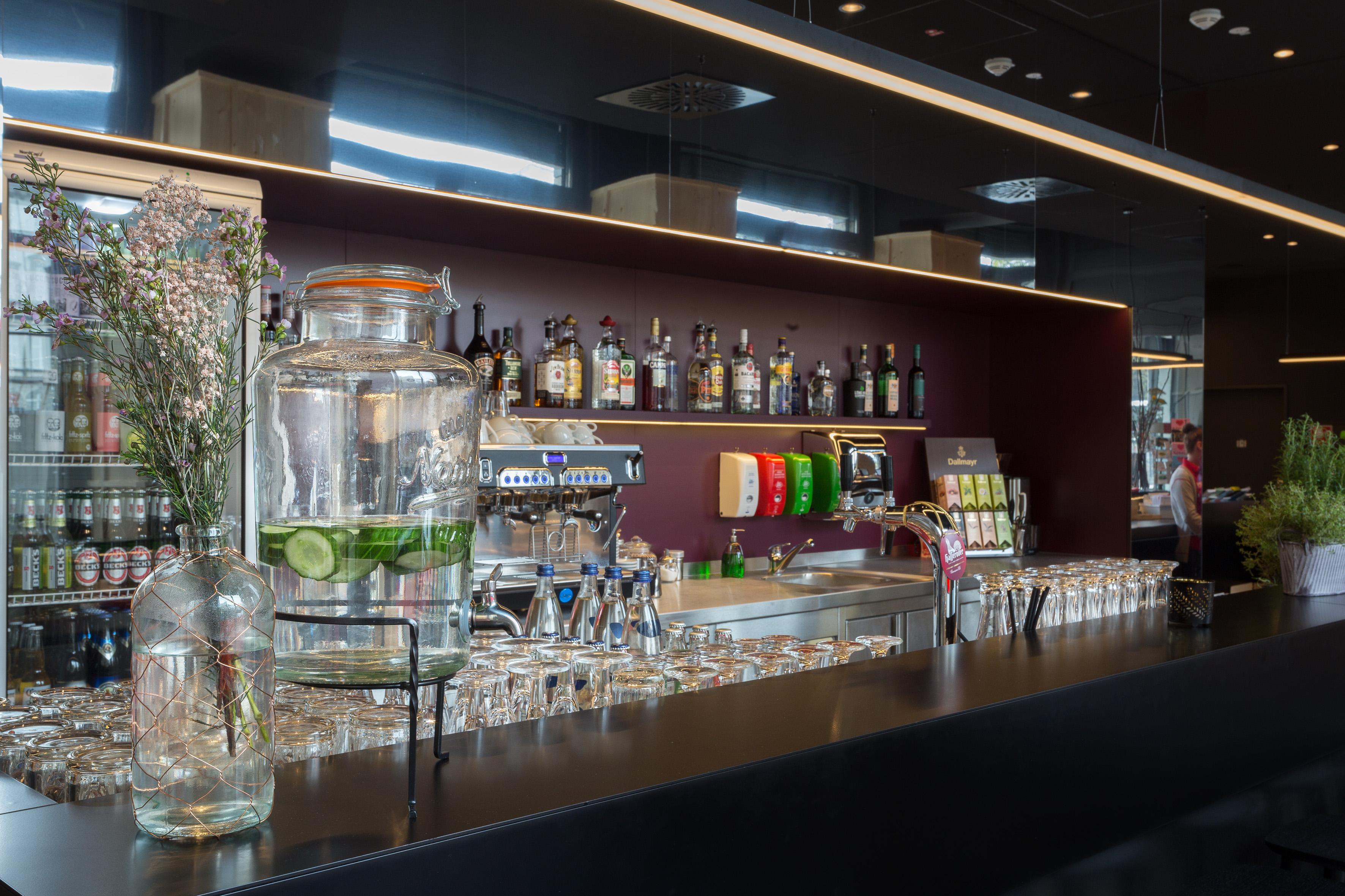 MEININGER Hotel Leipzig Hauptbahnhof - Hotelbar