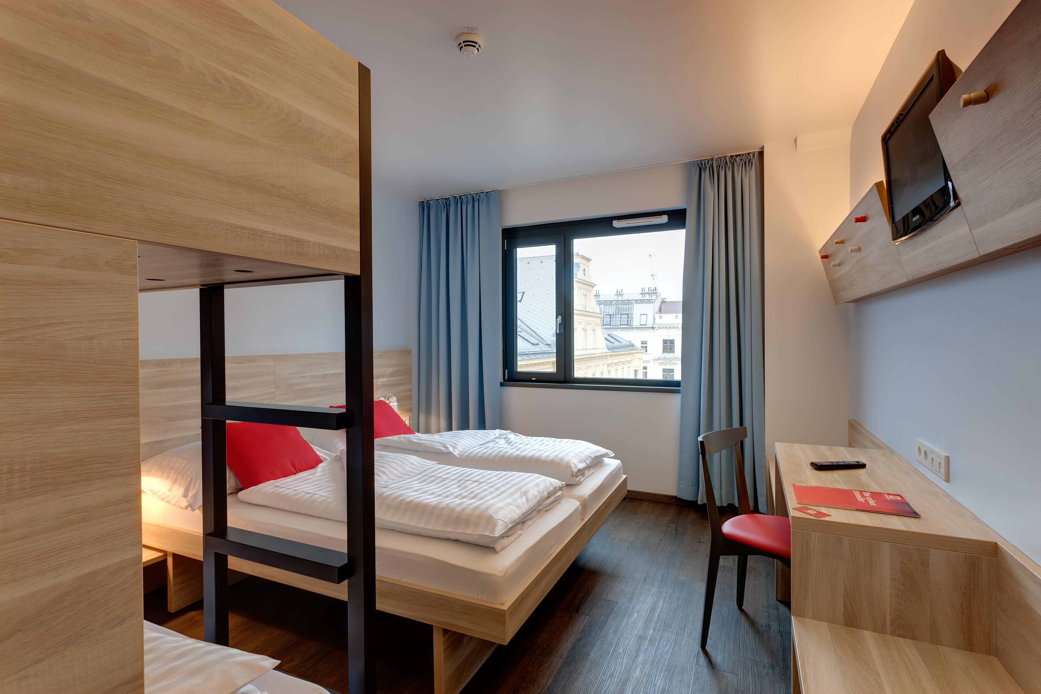 MEININGER Hotel Vienna Downtown Franz - Multi-bed