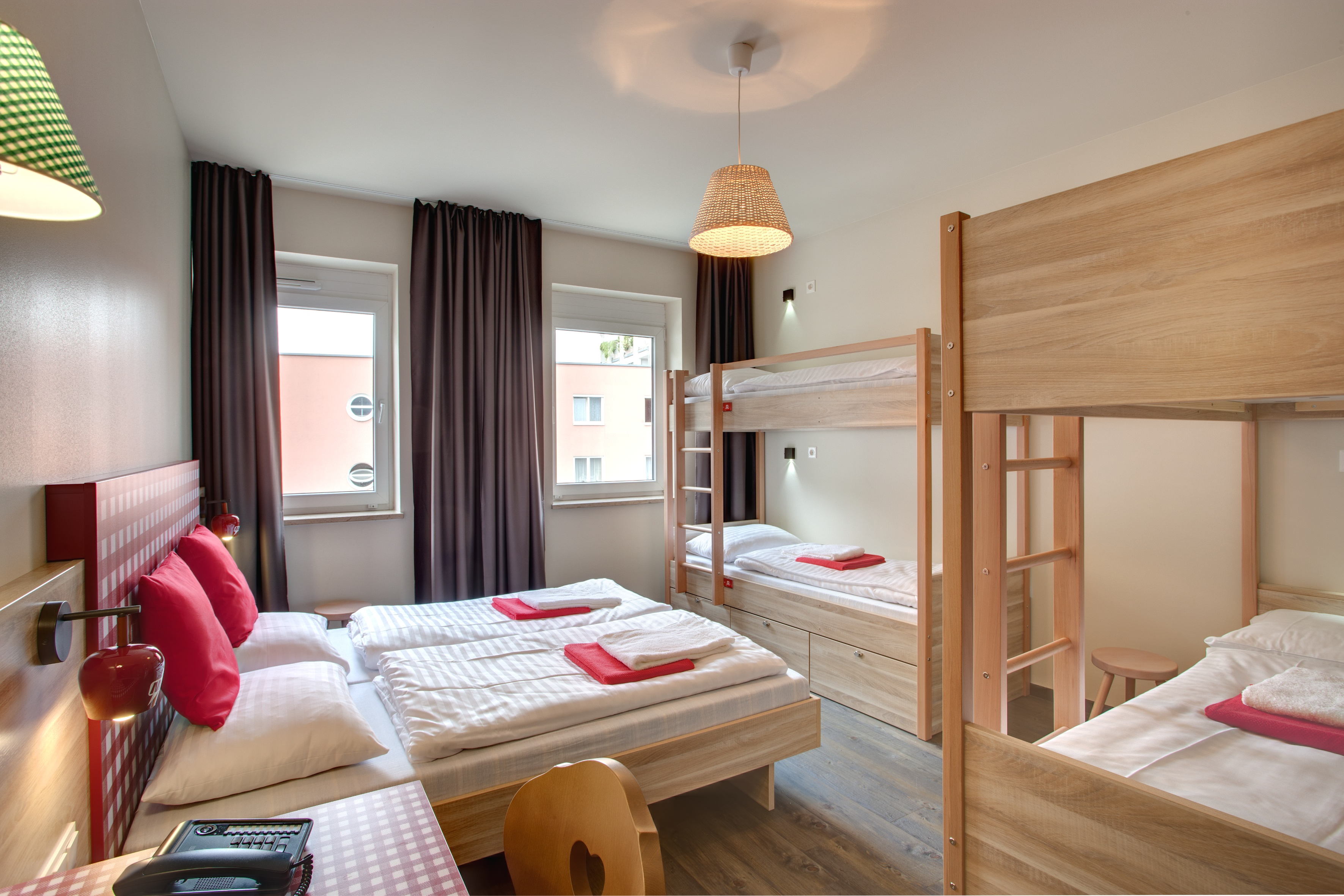 MEININGER Hotel Salzburg City Center - Multi-bed