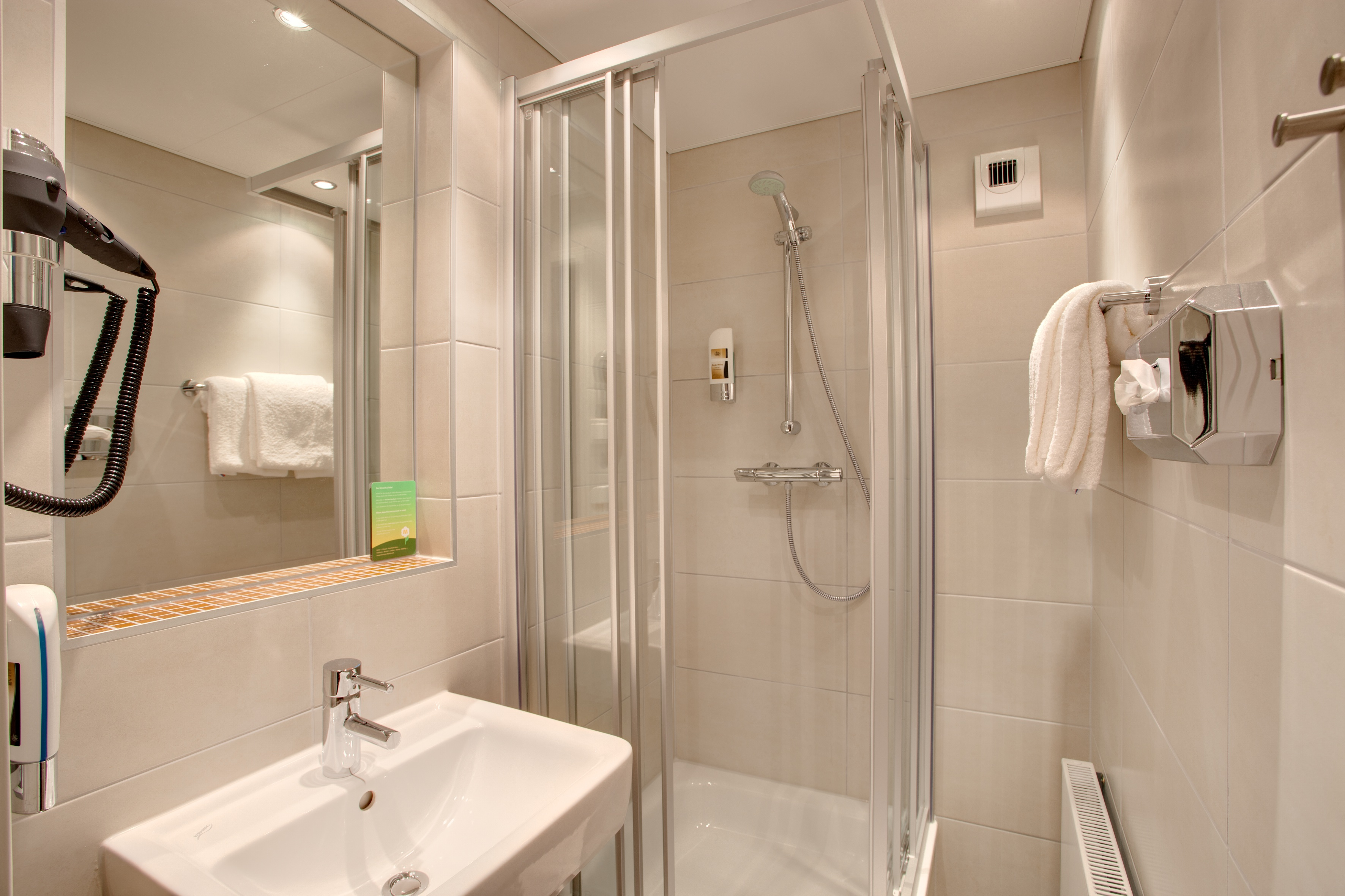 MEININGER Hotel Salzburg City Center - Single-/ Double Room