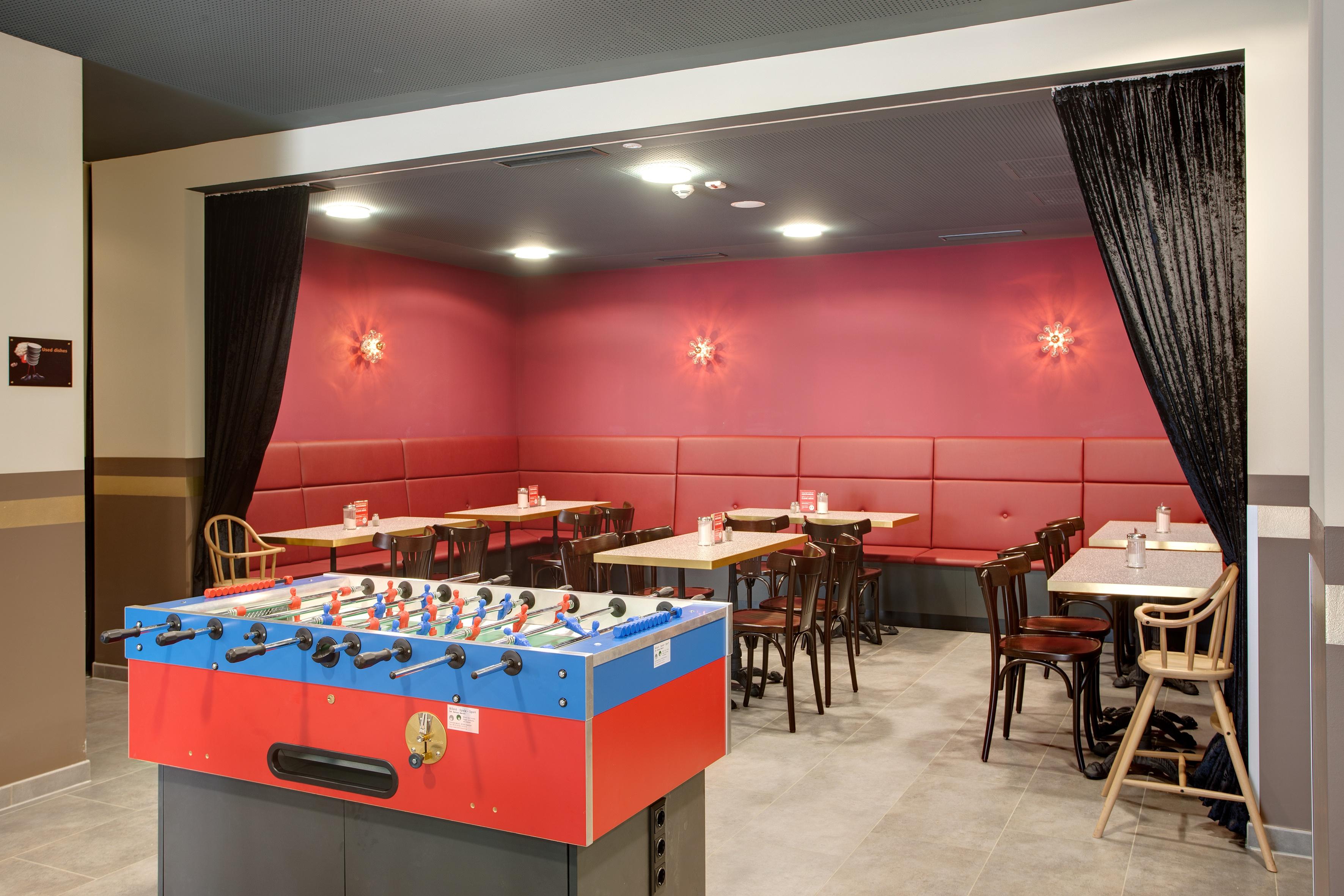 MEININGER Hotel Salzburg City Center - Gaming area