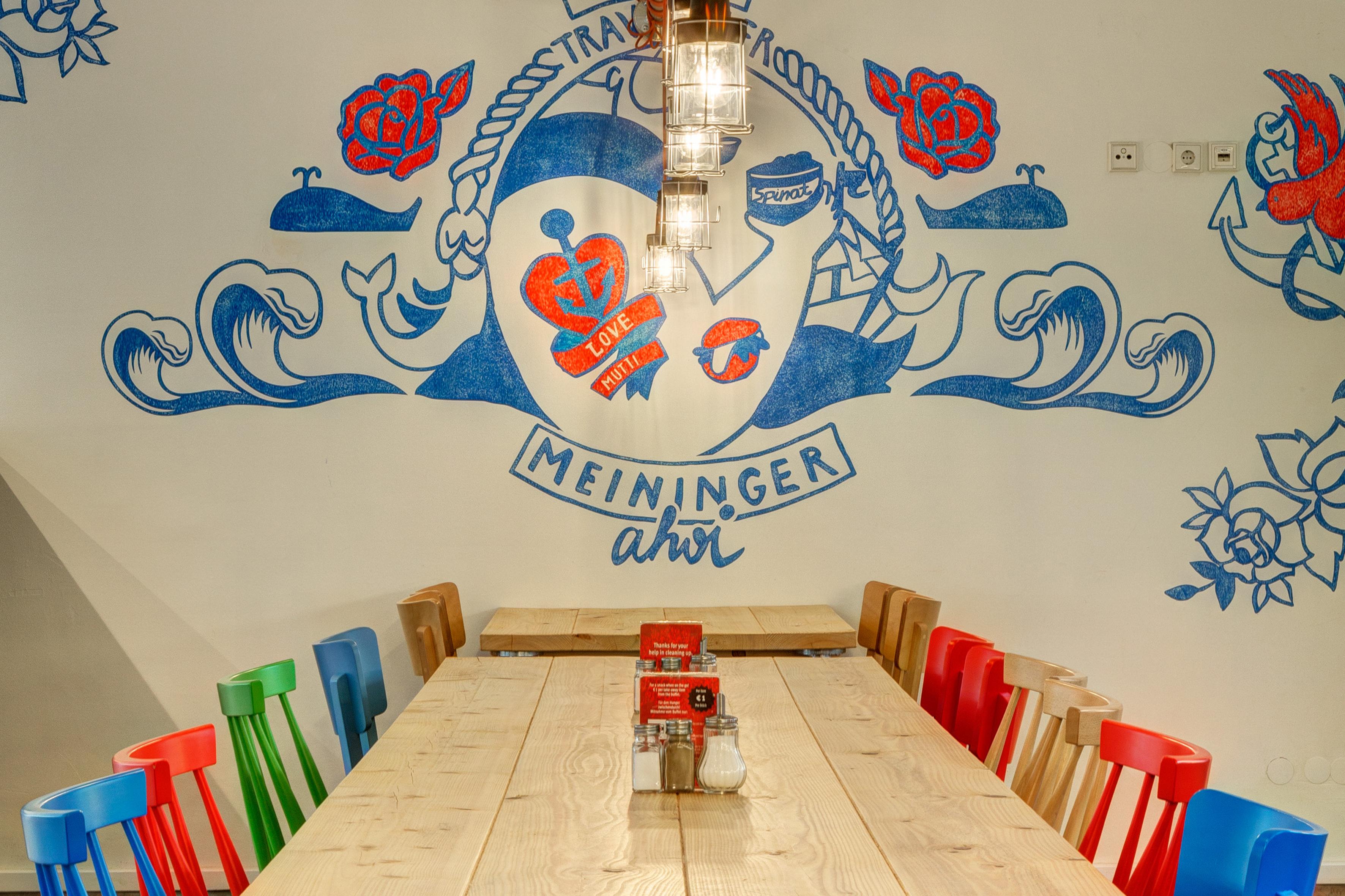 MEININGER Hotel Hamburg City Center - Breakfast room/ Buffet