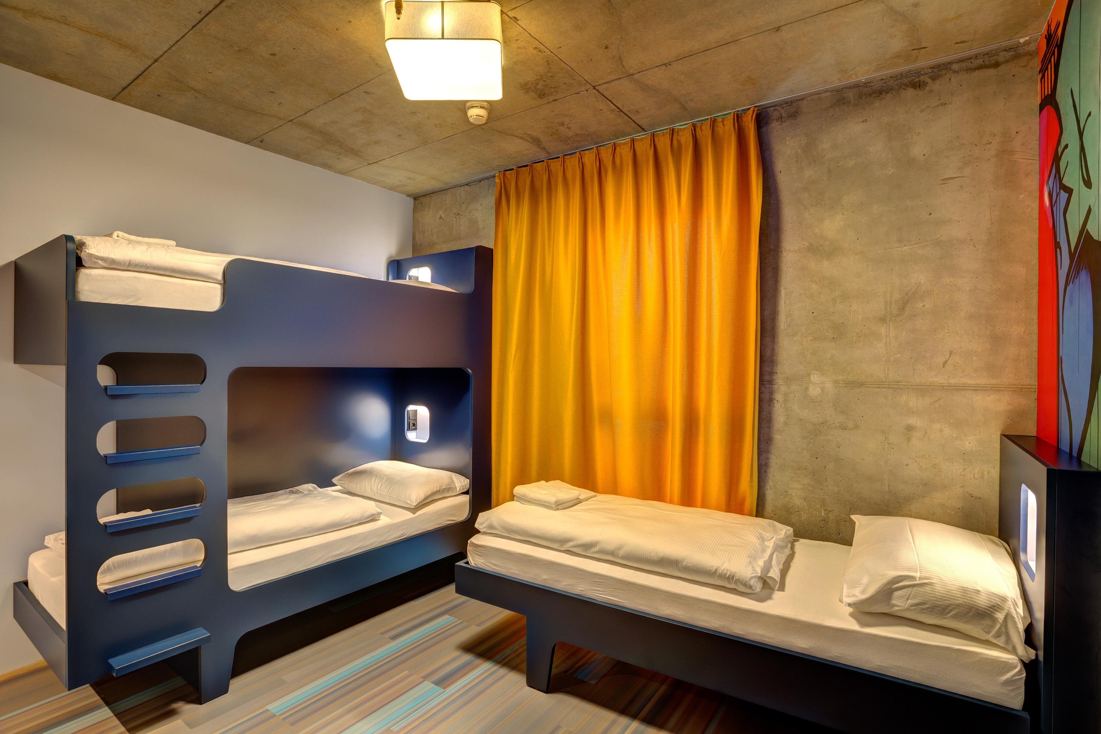 MEININGER Hotel Berlin East Side Gallery - Multi-bed