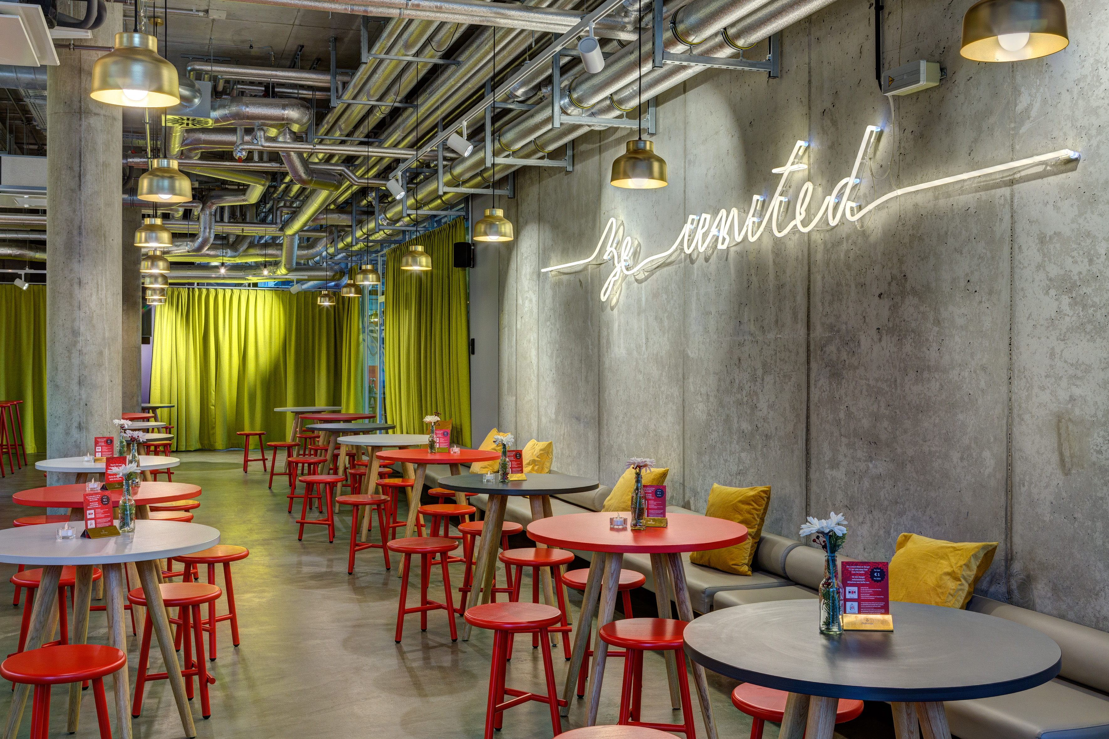 MEININGER Hotel Berlin East Side Gallery - Lounge