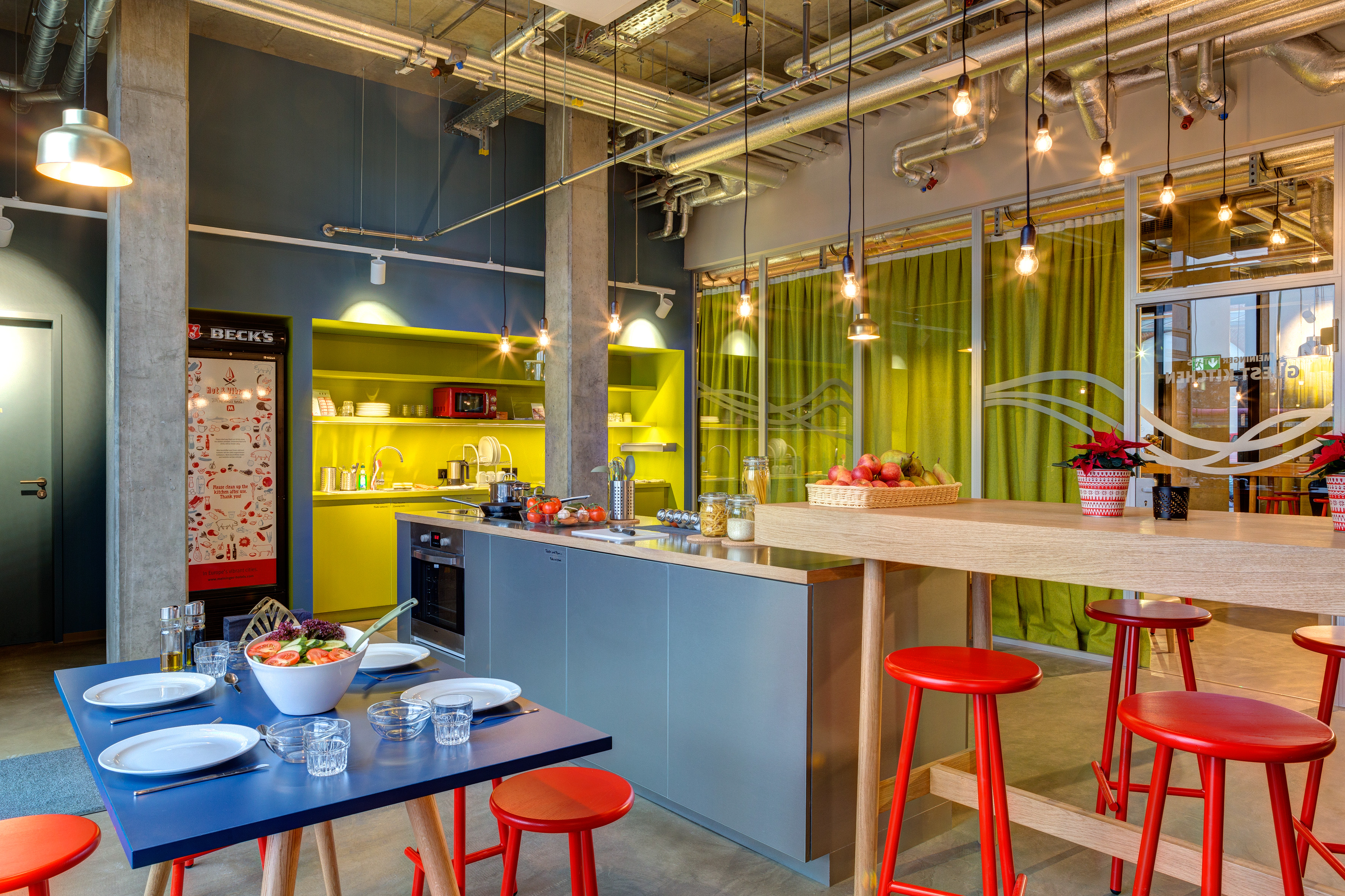 MEININGER Hotel Berlin East Side Gallery - Guest kitchen