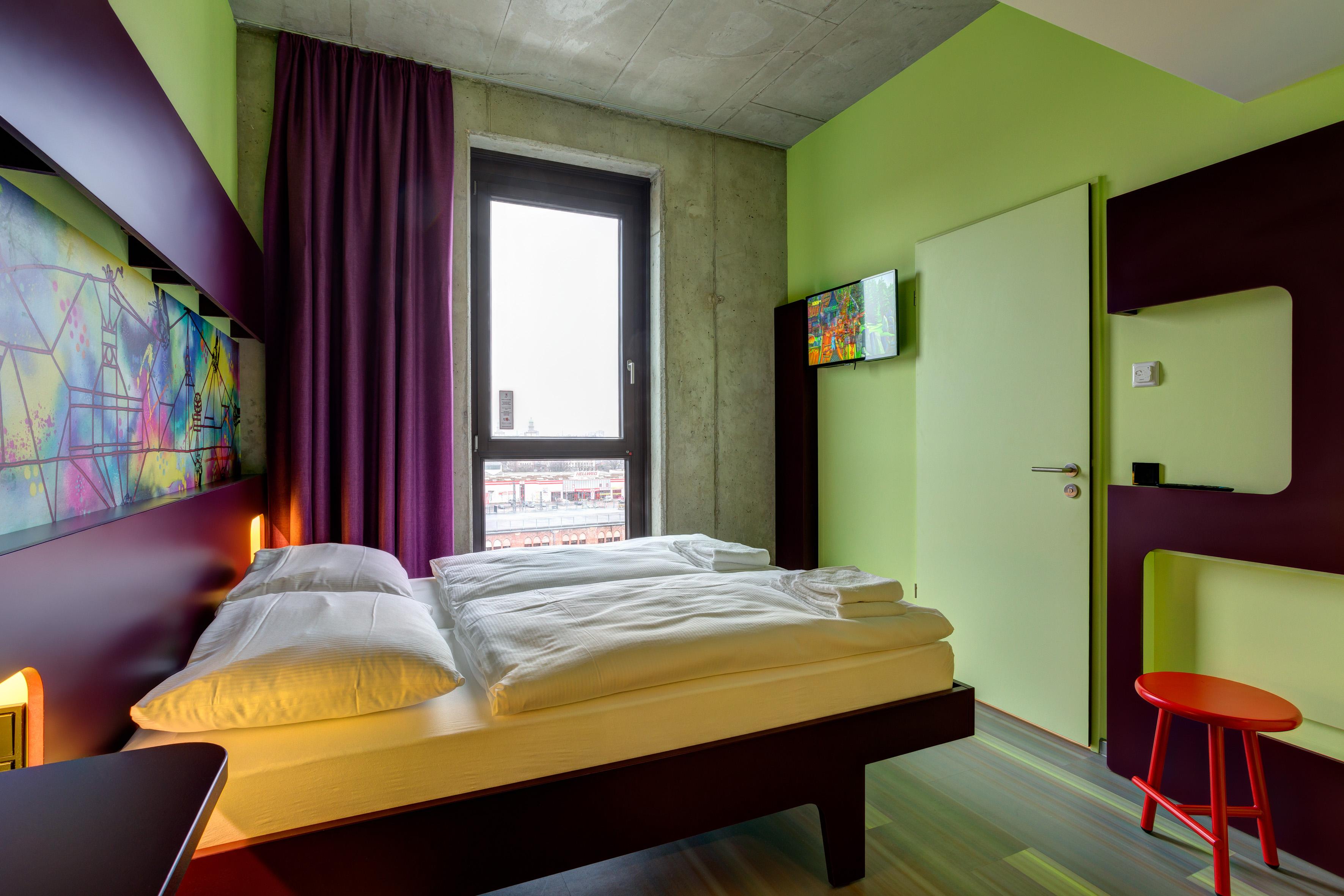 MEININGER Hotel Berlin East Side Gallery - Single-/ Double Room