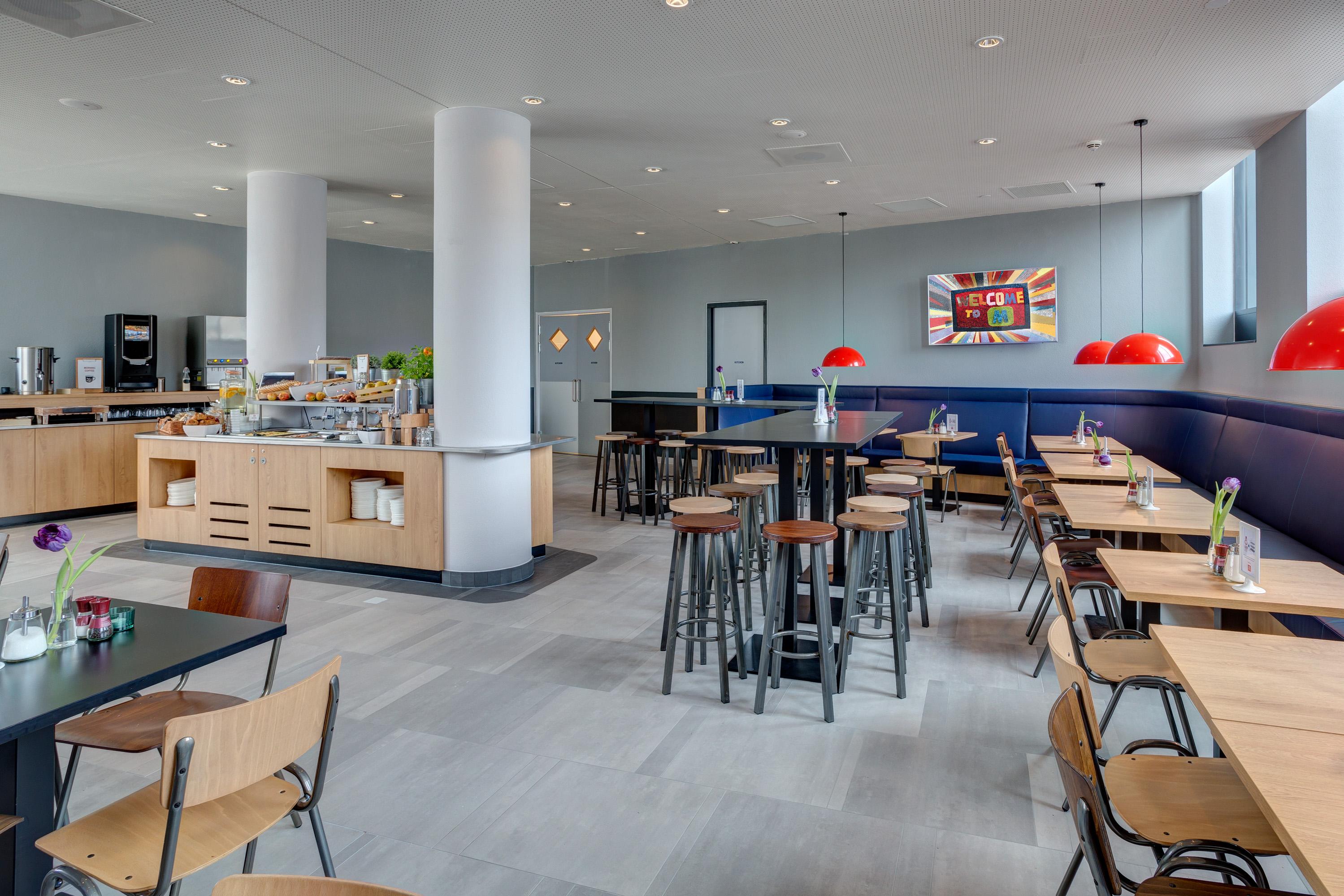 MEININGER Hotel Amsterdam Amstel - Salle de petit déjeuner/ buffet
