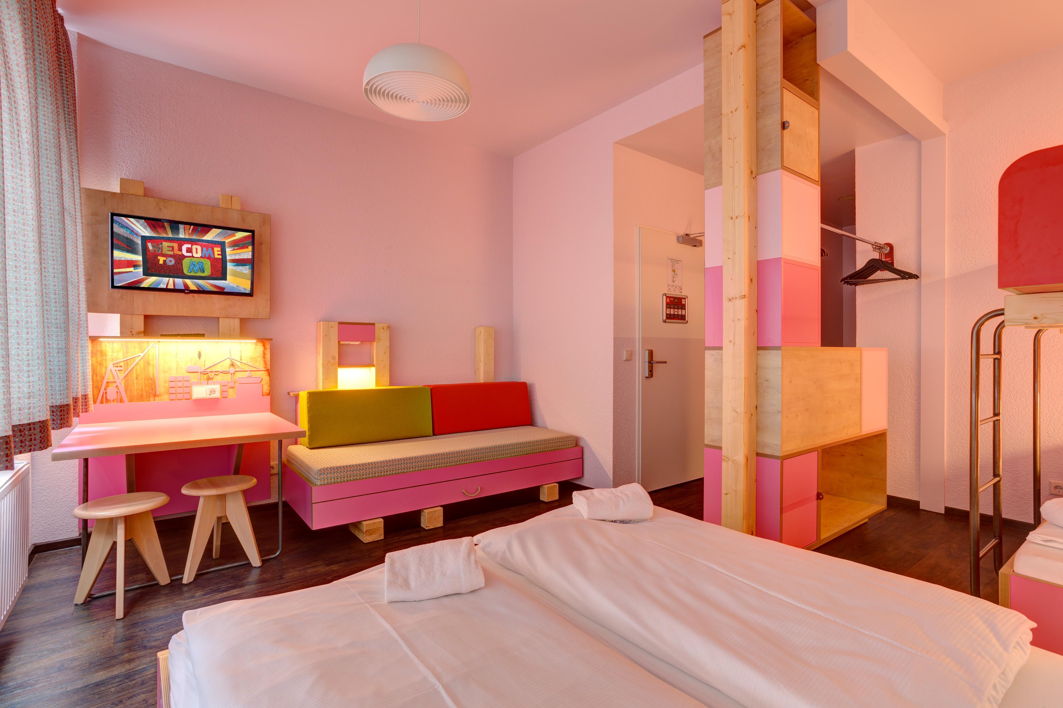 Meininger hotel hamburg city center g nstig modern zentral - Hangematte furs zimmer ...