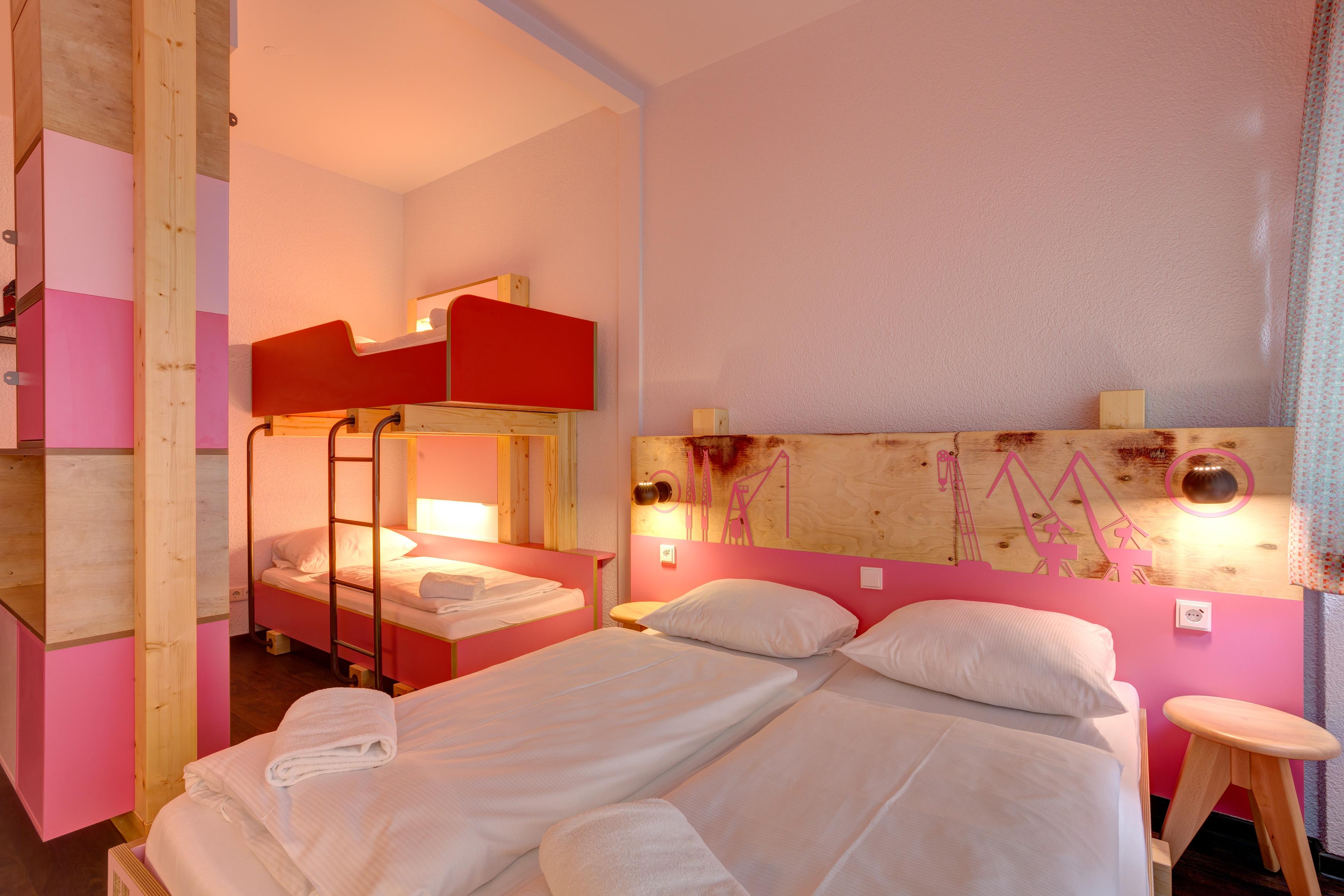 Meininger hotel hamburg city center g nstig modern zentral for Familienzimmer hamburg 5 personen