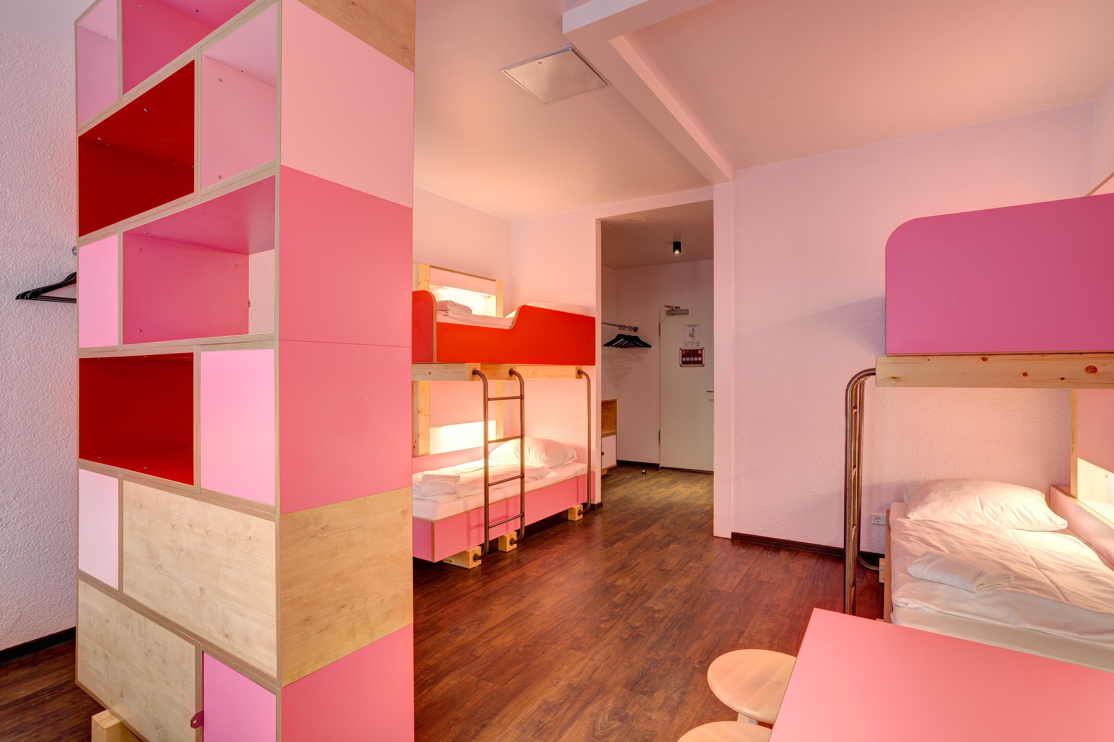 MEININGER Hotel Hamburg City Center - Dormitorio
