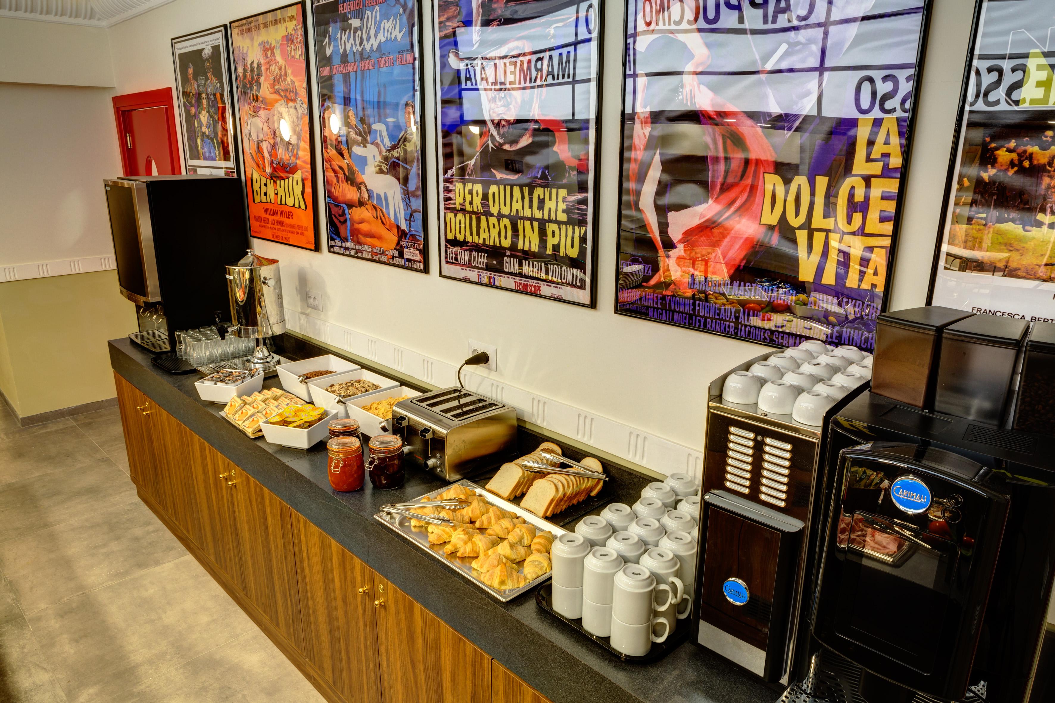 MEININGER Roma Termini - Ontbijtzaal/ buffet