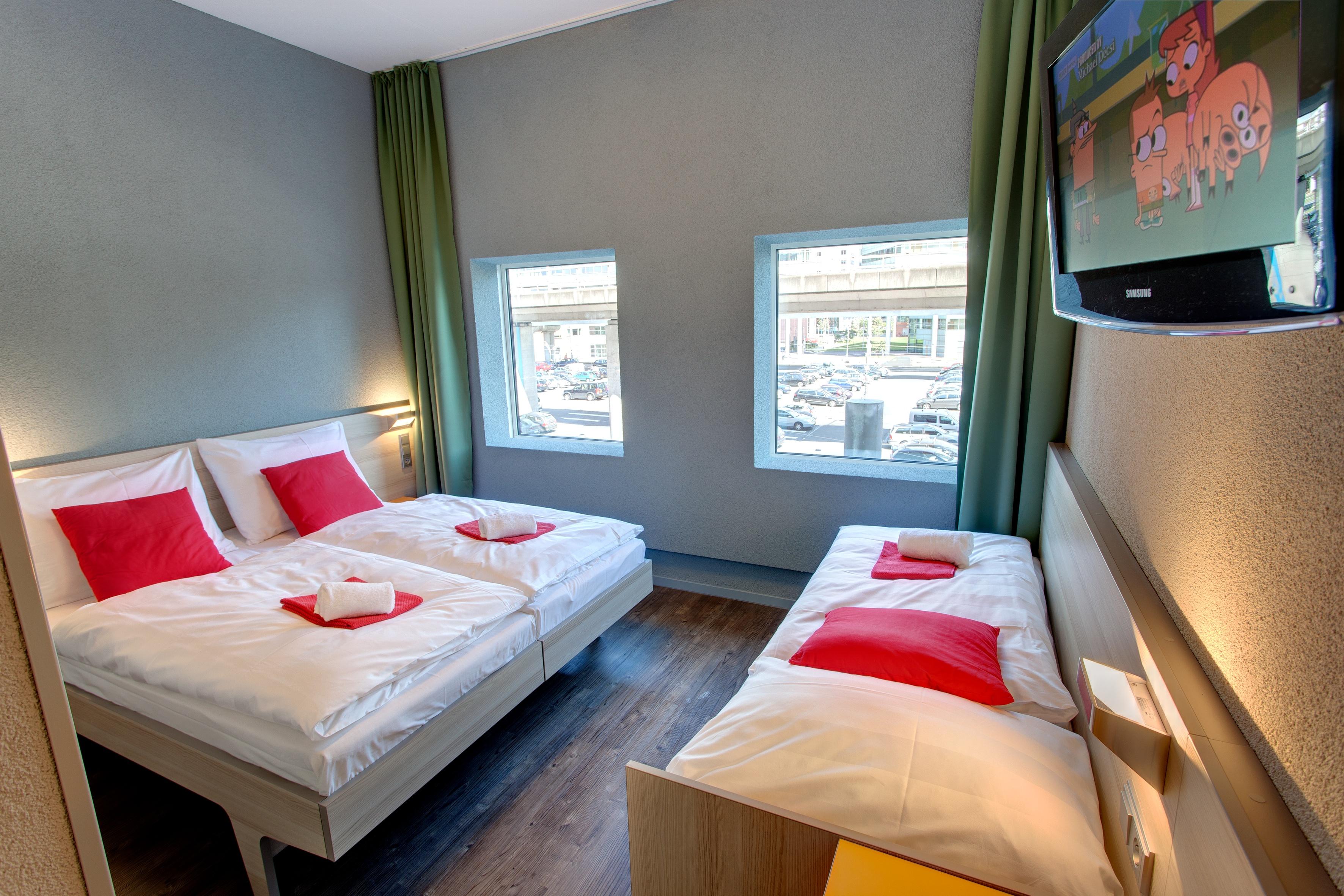 MEININGER Hotel Amsterdam City West - Multi-bed